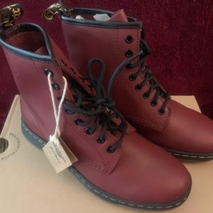 Dr. Martens TEMPERLY NEWTON Cherry Red Size US 6